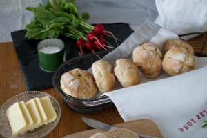 Read more about the article Dinkel Joghurt Brötchen – Wild Bakers exklusiv