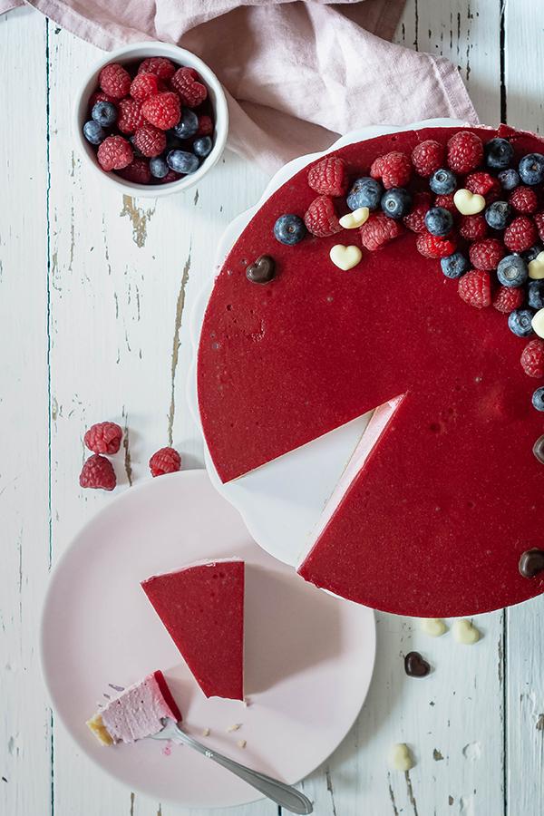 Kaleidoscopic_Kitchen-Rebekka_No-Bake-Valentinstag-Cheesecake