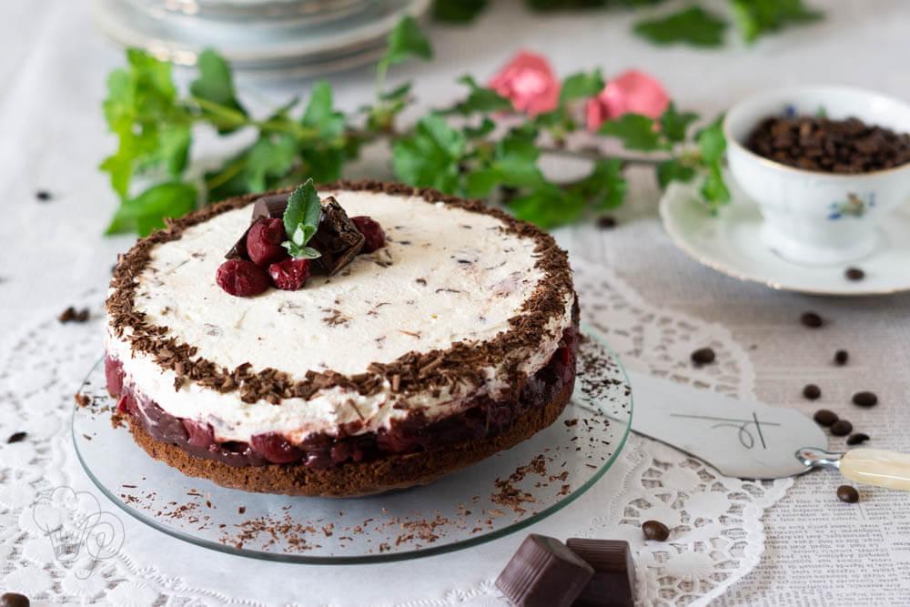 You are currently viewing Zeit zum Kaffeeklatsch – Mon-Cheri-Torte