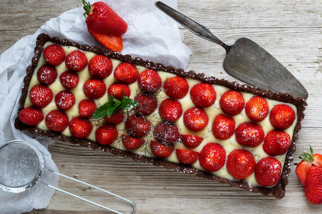 erdbeer-tarte mit schokomürbteig
