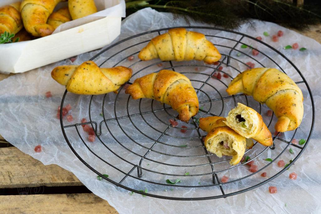 Quarkhoernchen mit Schinken und Mozzarella