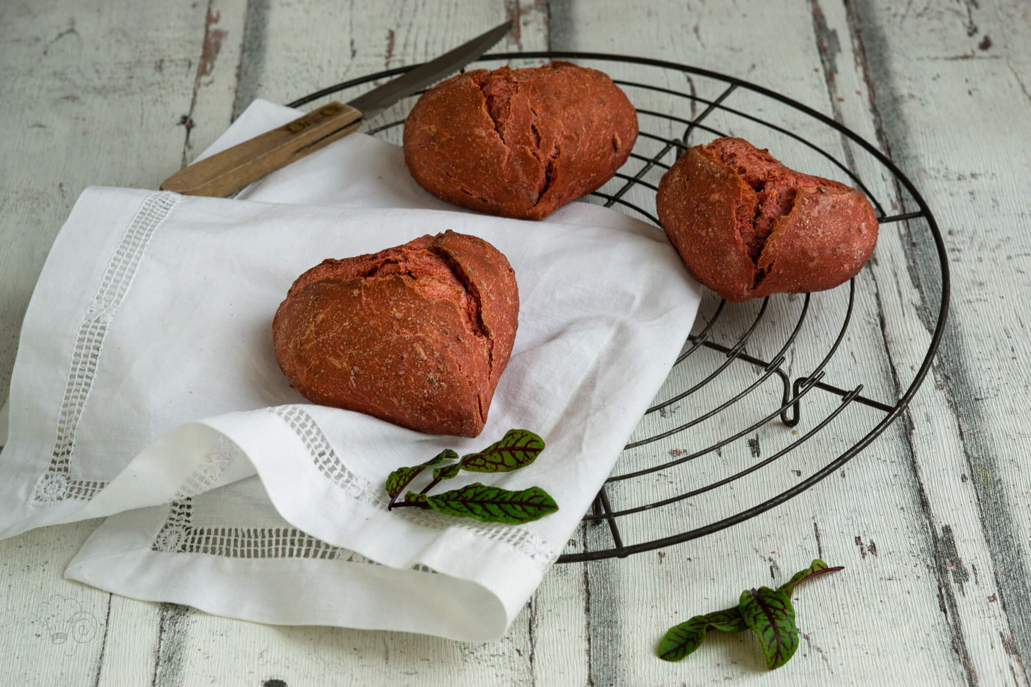 Read more about the article Rote Bete Brötchen – Saisonal isst besser