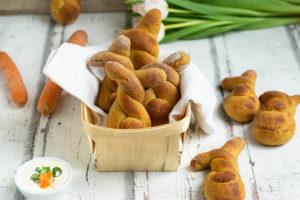 Karotten Brötchen zu Ostern