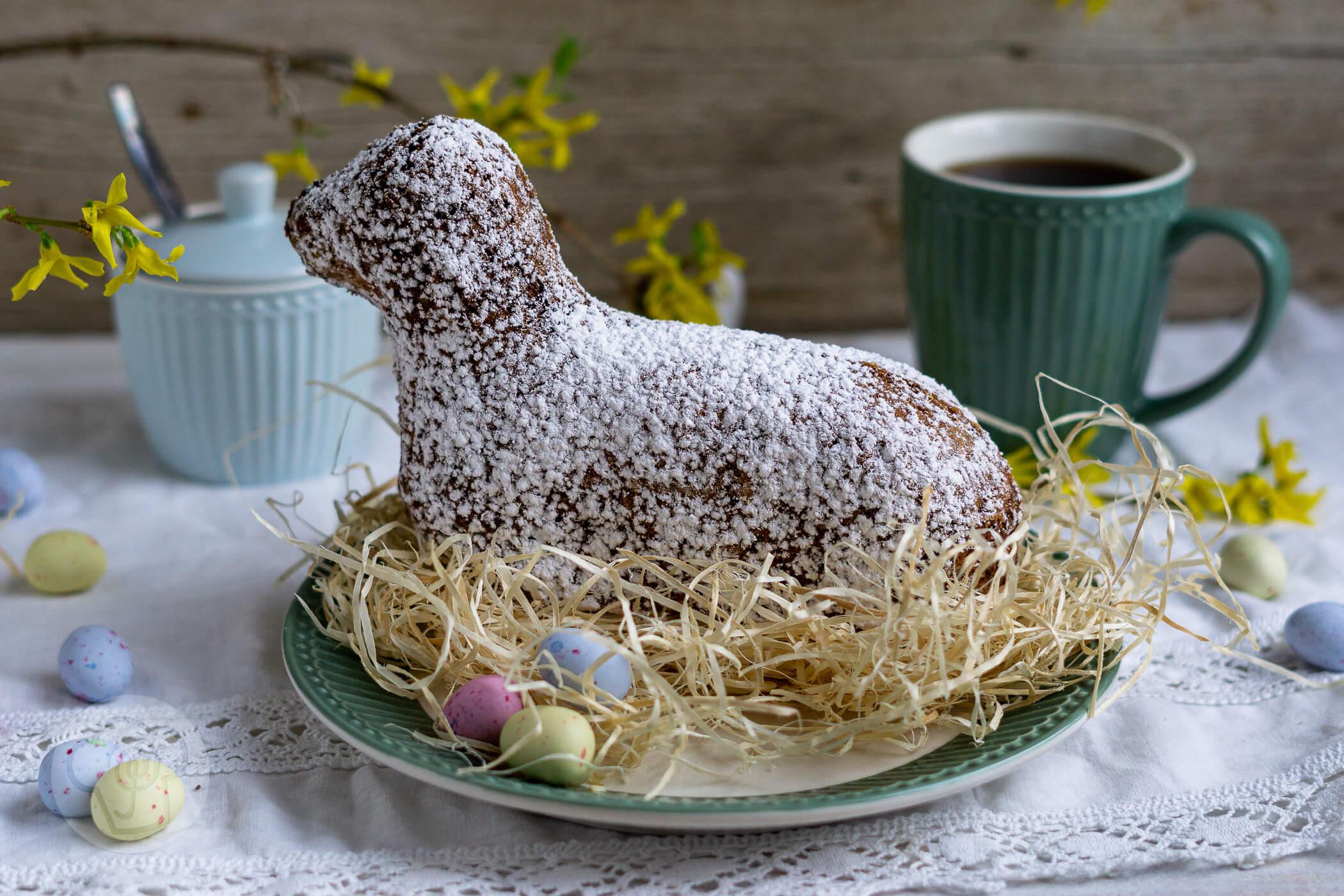 You are currently viewing Gebackenes Osterlamm mit Schokolade