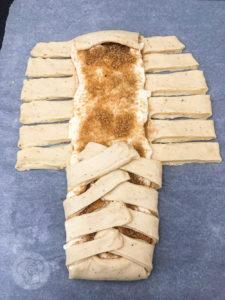 Kennt ihr die leckeren Zimstangen/Kanelstang aus Dänemark? Jetzt könnt ihr sie ganz einfach selber backen. Probiert es doch mal aus. Küchentraum & Purzelbaum   #zimtstange  #kanelstang   #backen