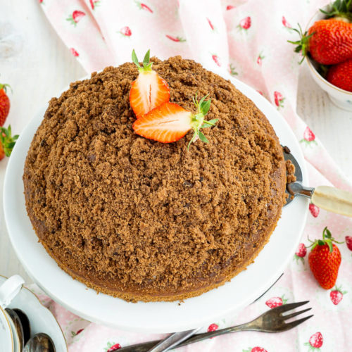 Wer hat Lust auf einen Kuchen Klassiker? Dann probiert doch mal meinen Maulwurfkuchen mit Erdbeeren. Super lecker und herrlich fruchtig. Der Kuchen schmeckt auch mit anderen Früchten wie z.B. Himbeeren total lecker. Küchentraum & Purzelbaum   #kuchen   #backen   #erdbeeren