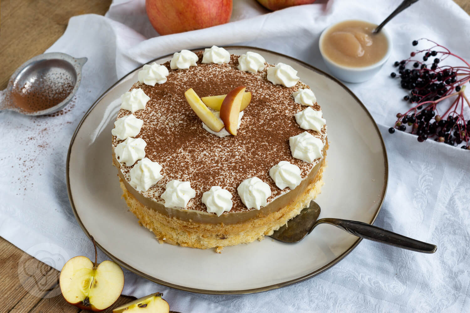 Read more about the article Apfelmustorte mit Pudding