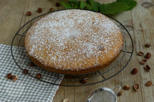 Read more about the article Einfacher Nusskuchen