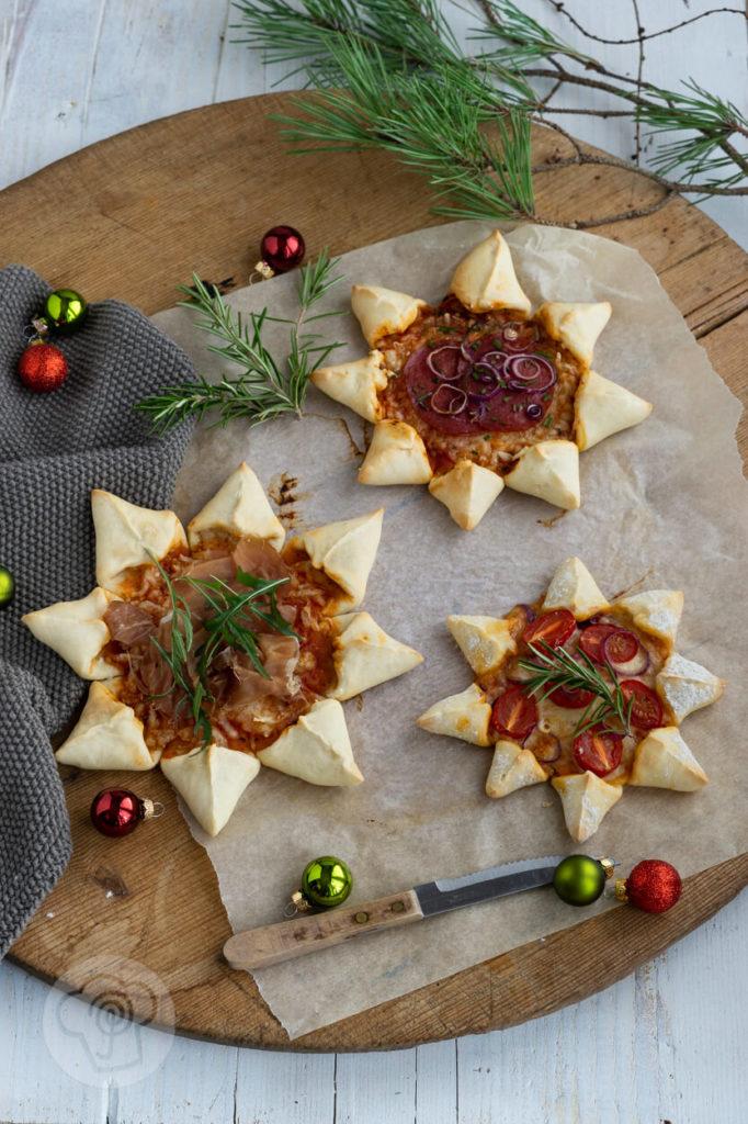 Sternförmige Pizza - Pizzastern - Party Snack zu Weihnachten oder Silvester