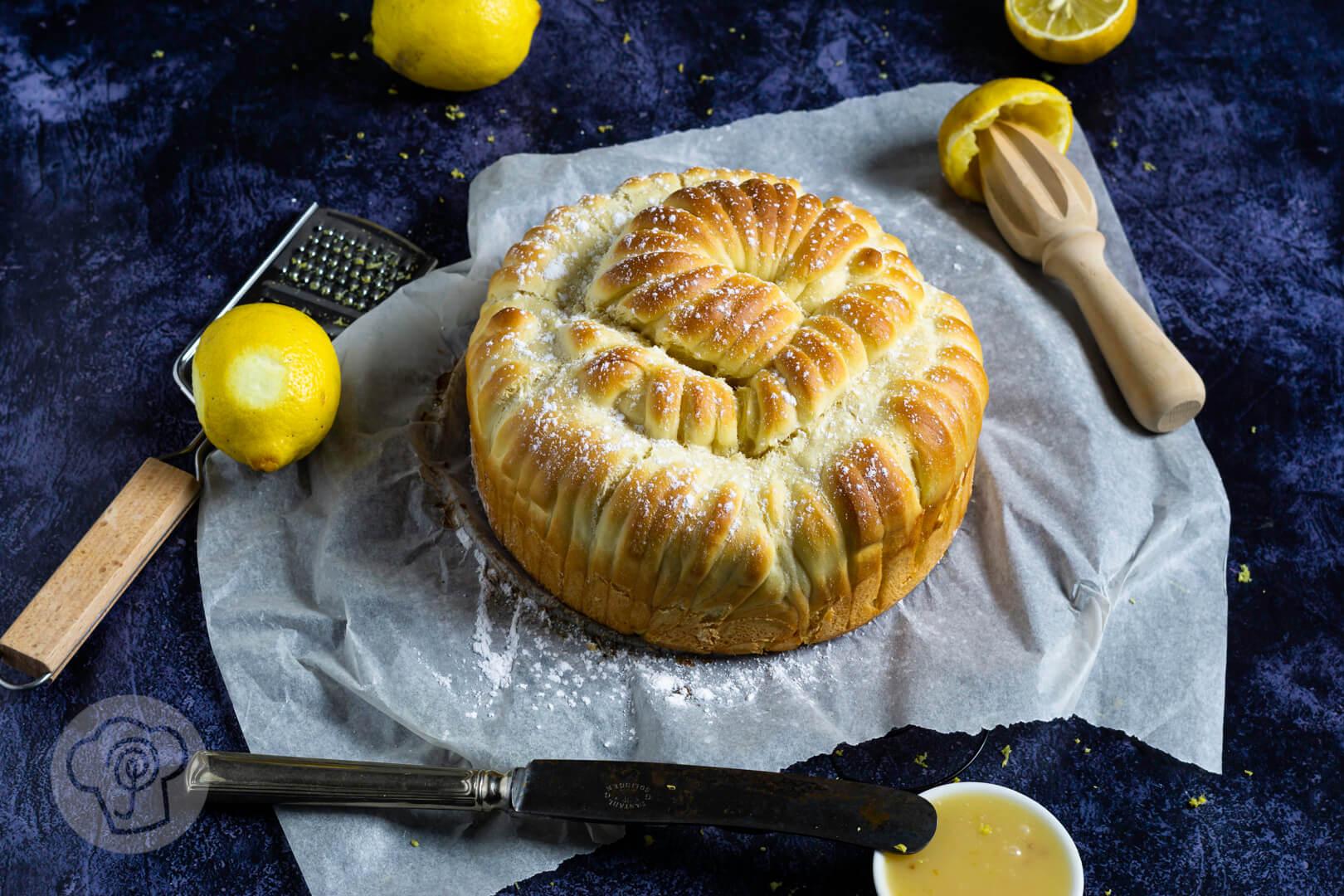 Wollknäuel Brot mit Lemon Curd