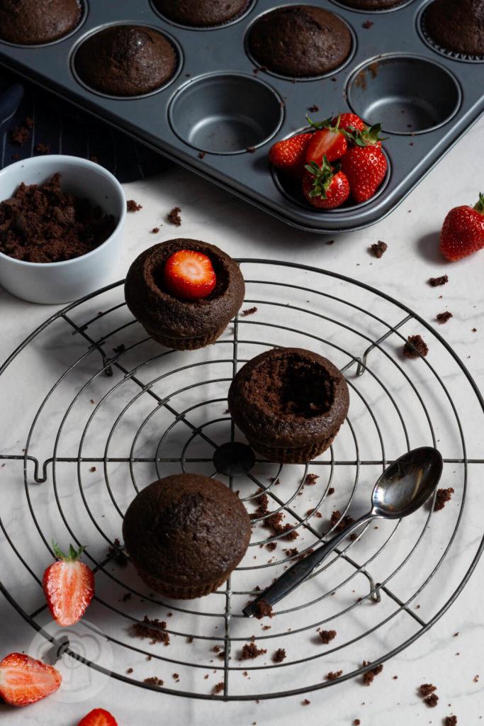 Zubereitung Maulwurf Muffins mit Erdbeeren