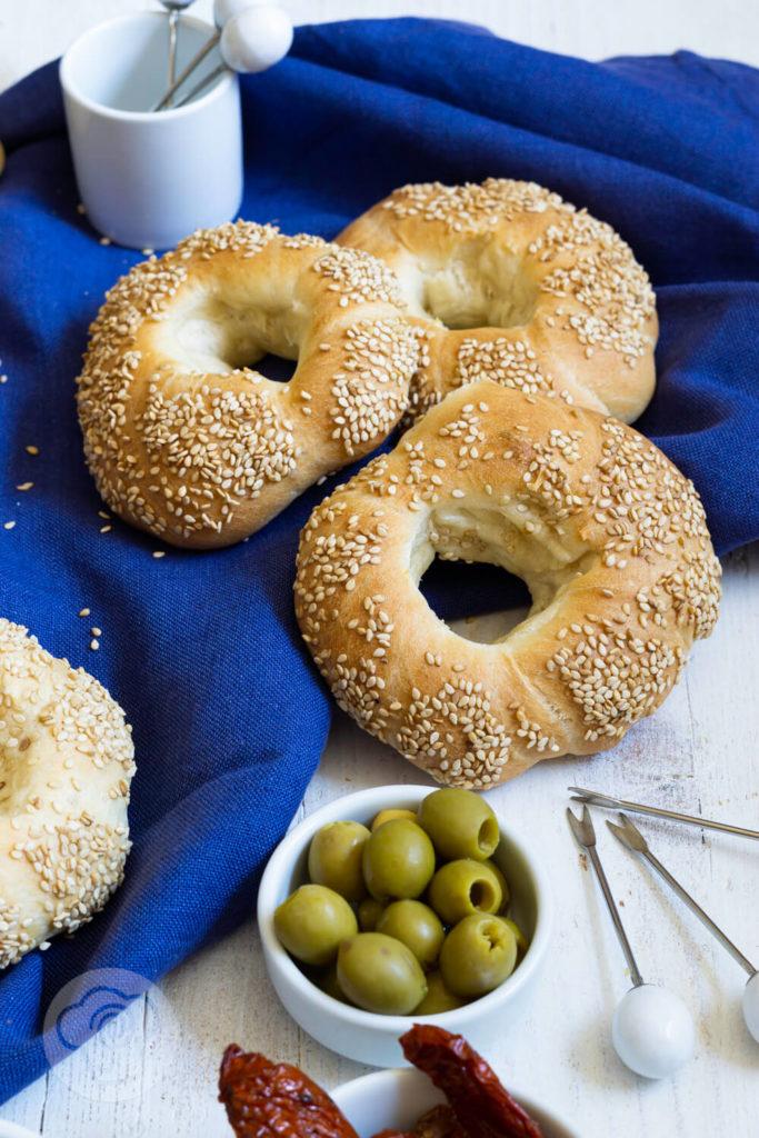 Griechische Sesamringe - 3 Sesamkringel mit Oliven