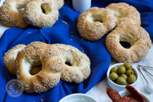Read more about the article Griechische Sesamringe – Koulouria