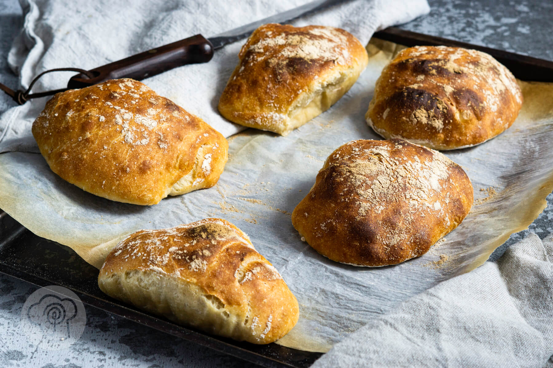 Read more about the article Luftige Ciabatta Brötchen
