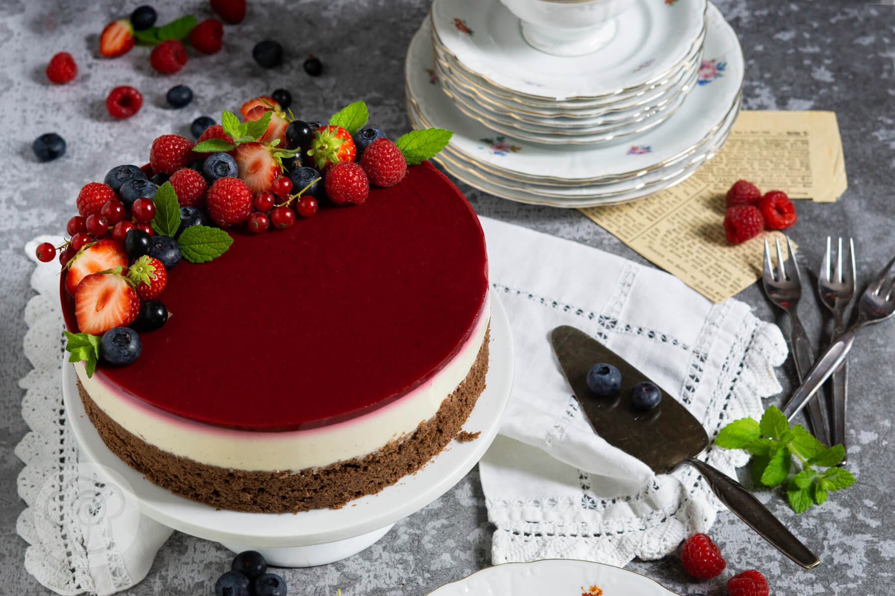 Read more about the article Panna Cotta Torte mit Beeren
