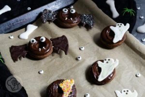 Read more about the article Halloween Schoko Donuts