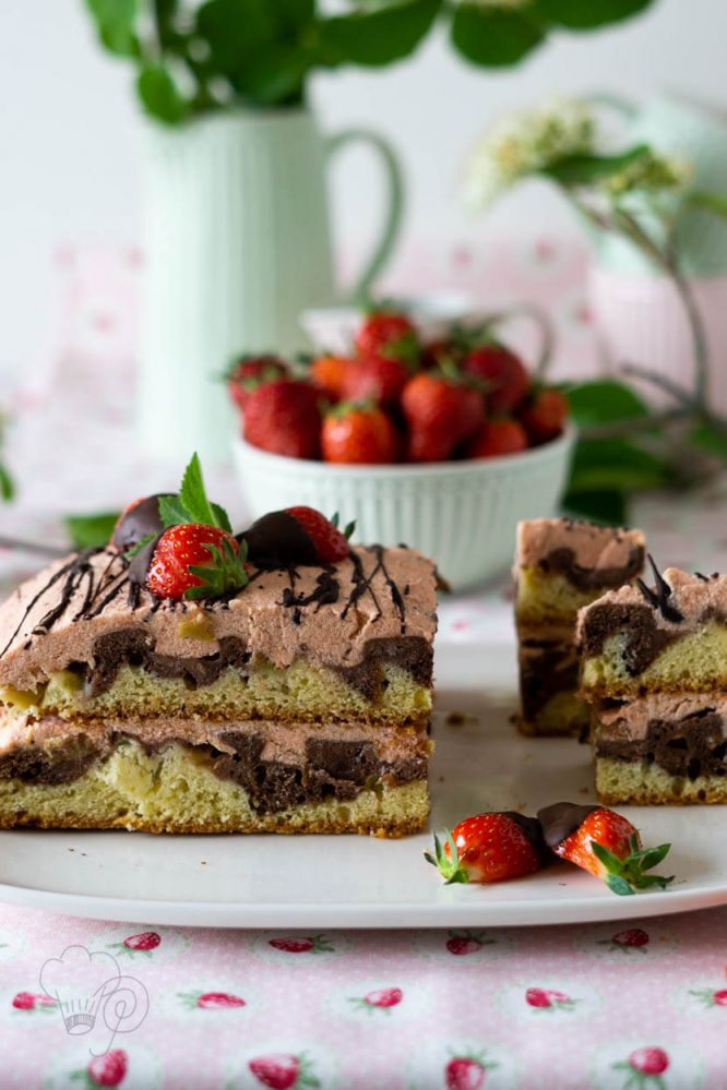 erdbeer-rhabarber-torte