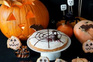 Read more about the article Halloween – Spinnennetzkuchen